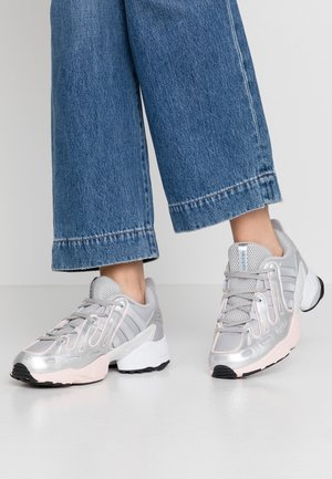 EQT GAZELLE - Matalavartiset tennarit - grey two/matte silver/ice pink