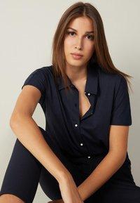 Intimissimi - AUS SUPIMA®ULTRAFRESH - Polo shirt - blu intenso - 2
