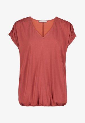 MIT GUMMIZUG - T-shirt basic - barn red