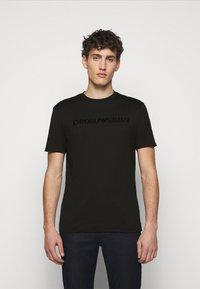Emporio Armani - T-shirts print - black - 0