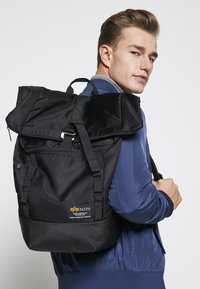 Alpha Industries - CREW BACKPACK - Sac à dos - black - 6