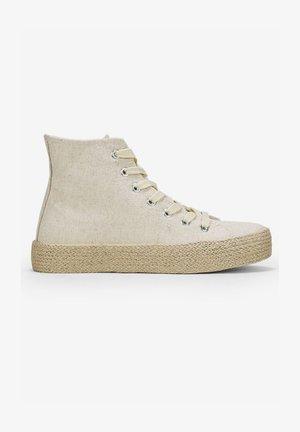 Zapatillas altas - beige