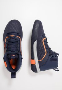 Puma - LEGACY MADNESS - Basketbalové boty - dark blue/orange - 1