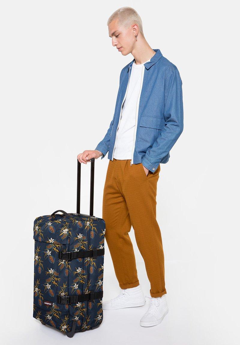 Eastpak - Wheeled suitcase - brize midnight