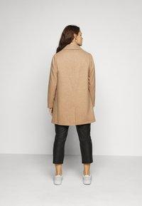 Dorothy Perkins Curve - MINIMAL SHAWL COLLARCROMBIE COAT - Short coat - camel - 2