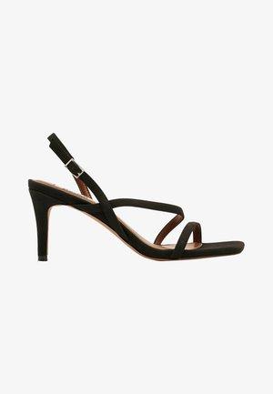 MIT ABSATZ UND RIEMCHEN AUS KUNSTLEDER - Sandaalit nilkkaremmillä - black