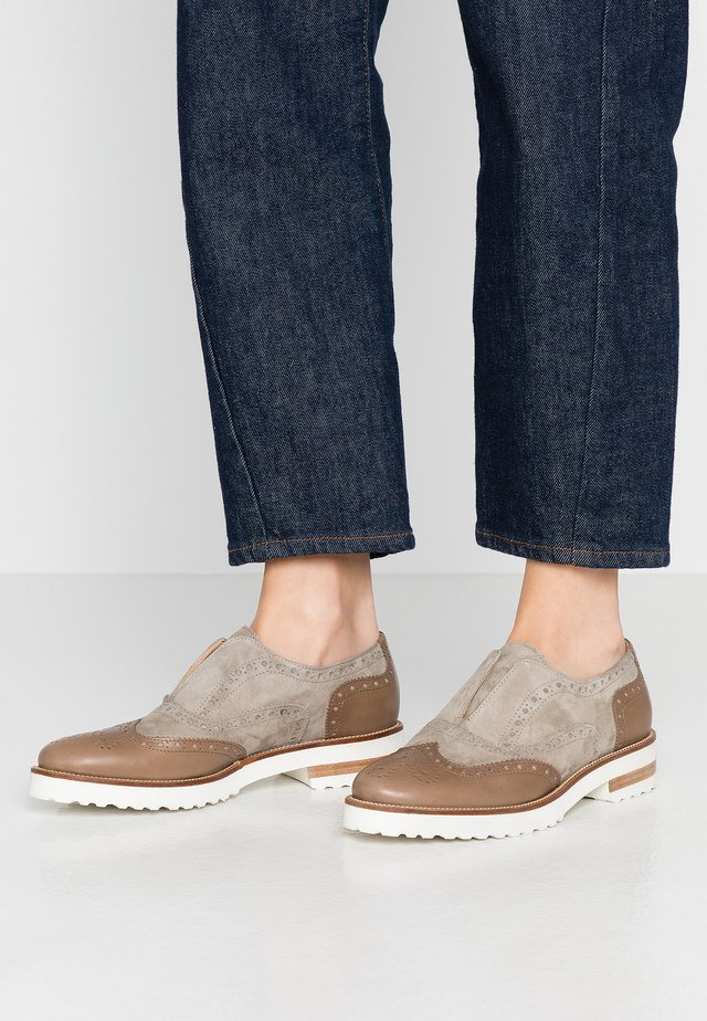 CABBEL - Loaferit/pistokkaat - khaki