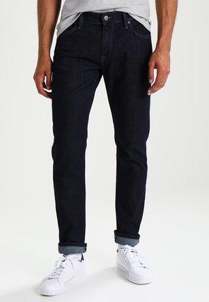 MARCUS - Straight leg jeans - rinsed denim