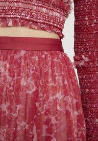 Needle & Thread - FLORAL MIDAXI SKIRT - Áčková sukně - cherry red - 5