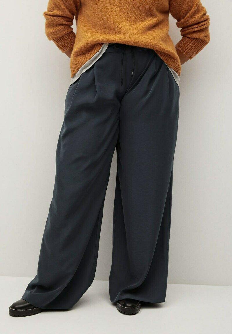 Violeta by Mango - NOP - Trousers - dunkelgrau meliert