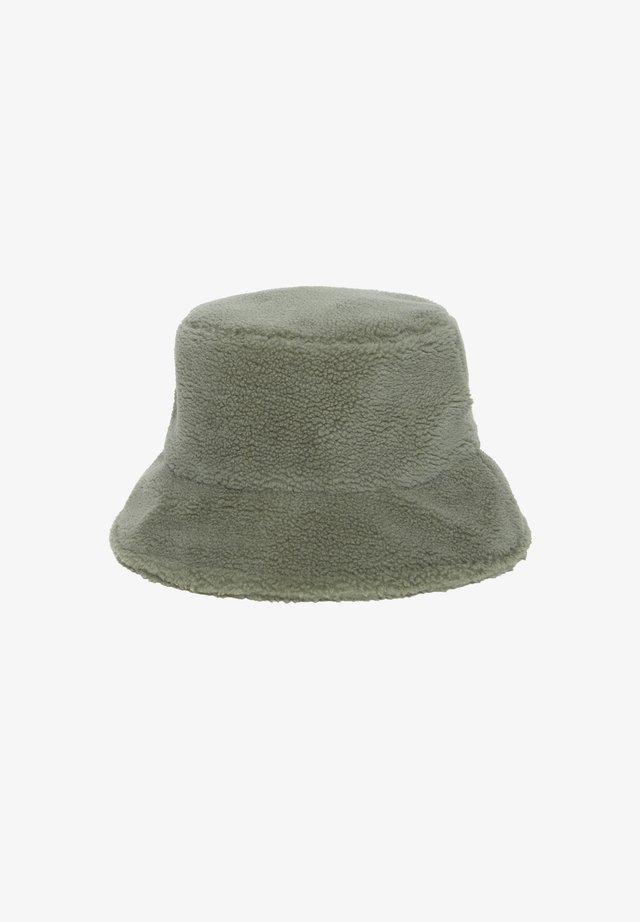 IAJENNIGER HA - Hatte - evergreen