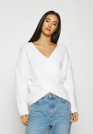 CROSS FRONT BARDOT - Strickpullover - cloud dancer