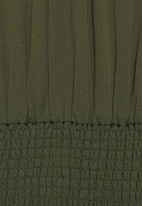 IVY & OAK - RAPA - Maxi šaty - dark olive - 6