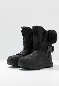 UGG - TAHOE - Bottes de neige - black - 4