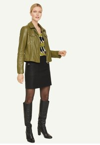 comma - Blouse - spring green big graphic - 1