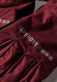 Superdry - Gloves - claret - 2