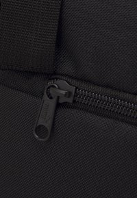 Puma - PHASE SPORTS BAG UNISEX - Sportovní taška - black - 3