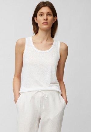 Top - white linen
