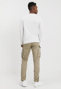 G-Star - ROVIC ZIP 3D STRAIGHT TAPERED - Cargo trousers - dune - 2