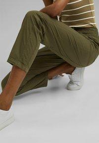 edc by Esprit - TWIST  - Trousers - khaki green - 5