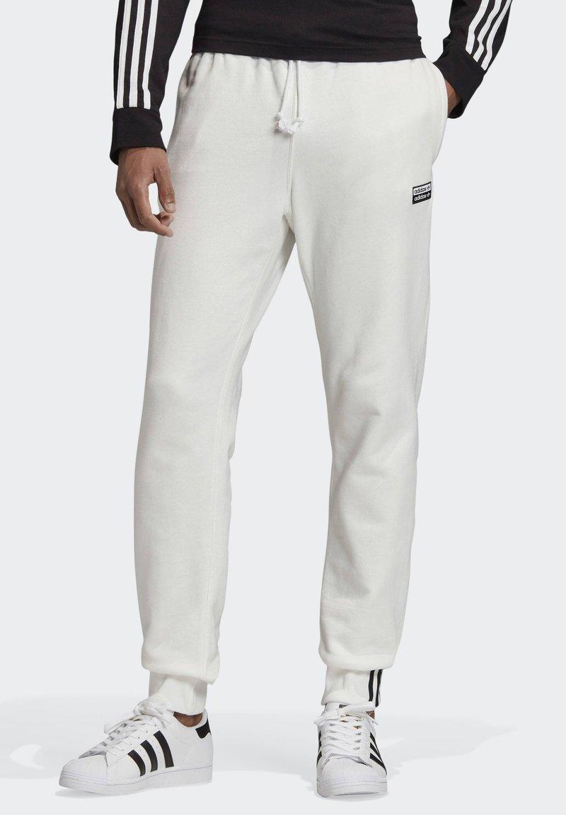 adidas Originals - R.Y.V. JOGGERS - Tracksuit bottoms - white