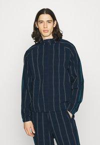 adidas Originals - UNISEX - Summer jacket - collegiate navy - 0