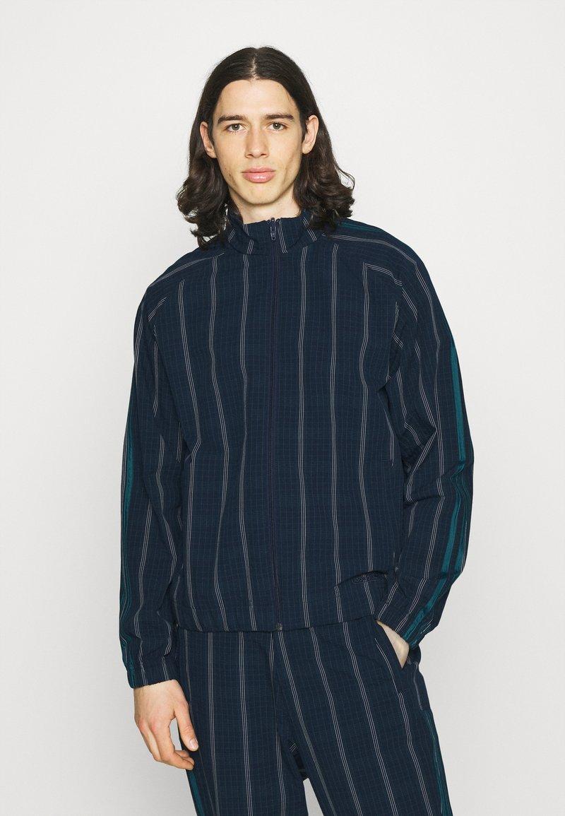 adidas Originals - UNISEX - Summer jacket - collegiate navy