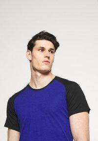 Mons Royale - TEMPLE TECH  - Jednoduché triko - ultra blue/black - 3