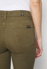 7 for all mankind - ROXANNE ANKLE COLORED BAIR AGAVE - Jeans Skinny Fit - green - 4