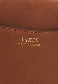 Lauren Ralph Lauren - ADDIE CROSSBODY - Borsa a tracolla - tan - 5