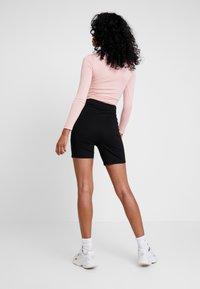 Missguided - LONG SLEEVED SEATBELT BODYSUIT - Long sleeved top - pink - 2
