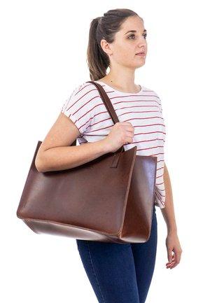 AGATHA - Tote bag - walnut