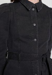 Vero Moda - VMMAGGIE SHORT DRESS - Denim dress - black - 4