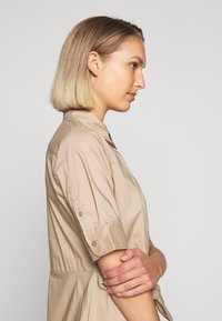 Lauren Ralph Lauren - SILKY DRESS - Vestido camisero - birch tan - 5