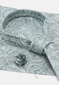 Burton Menswear London - TIE HANKIE AND PIN SET - Tie - grey - 4