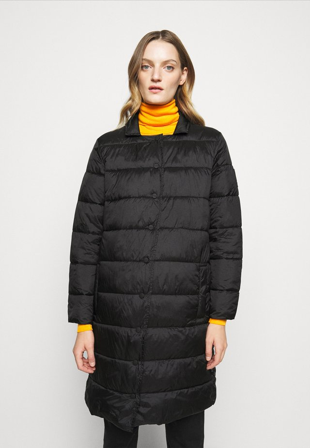 COSY PORI - Płaszcz zimowy - black