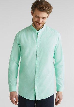 MIT STEHKRAGEN - Shirt - light green