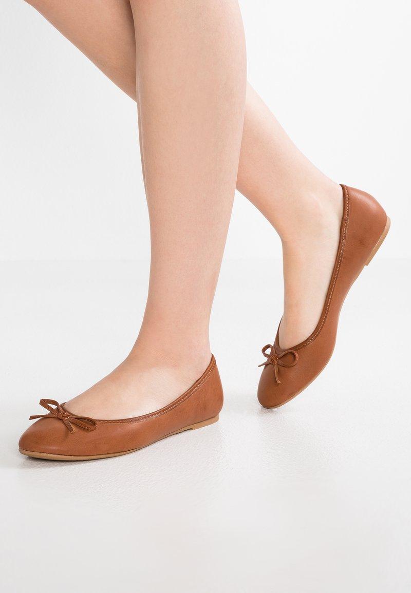 Anna Field - Ballet pumps - cognac