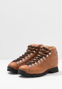 Scarpa - PRIMITIVE UNISEX - Hiking shoes - cognac - 2