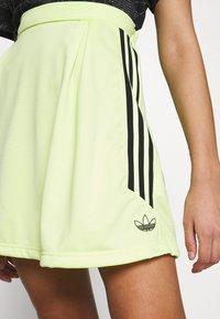 adidas Originals - A-line skirt - semi frozen yellow - 4