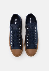 Converse - CHUCK TAYLOR ALL STAR  - Trainers - obsidian/honey - 3