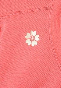 ASICS - SAKURA CROP - T-Shirt basic - peach petal - 2