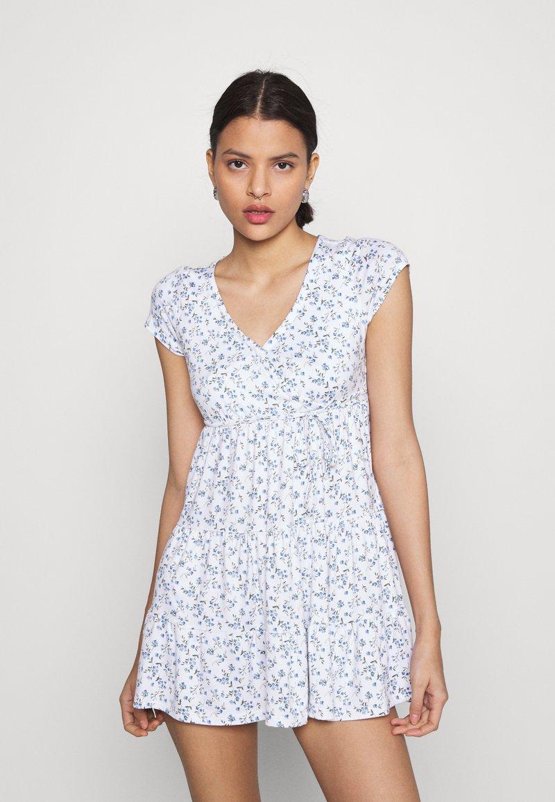 Hollister Co. - DRESS - Jerseykjole - white