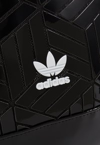 adidas Originals - TOP 3D - Reppu - black - 6