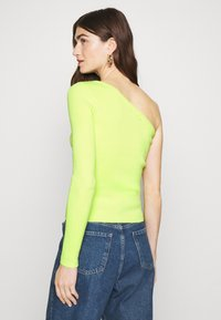 Who What Wear - ONE SHOULDER LONG SLEEVE - Jumper - key lime - 2