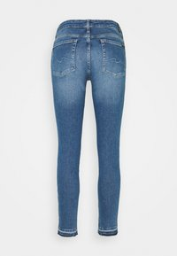7 for all mankind - PYPER CROP ILLUSION REALITY WITH UNROLLED DIAGONAL HEM - Jeans Skinny Fit - light blue - 1