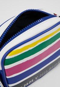 Tommy Hilfiger - GIRL STRIPE CROSSOVER - Across body bag - white - 5