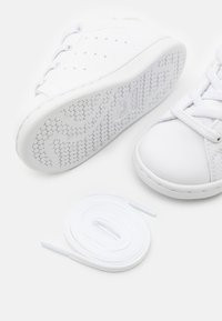 adidas Originals - STAN SMITH UNISEX - Trainers - footwear white - 5