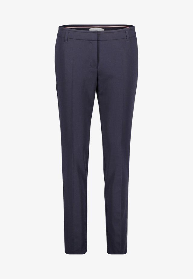 MIT BÜGELFALTE - Trousers - dark blue