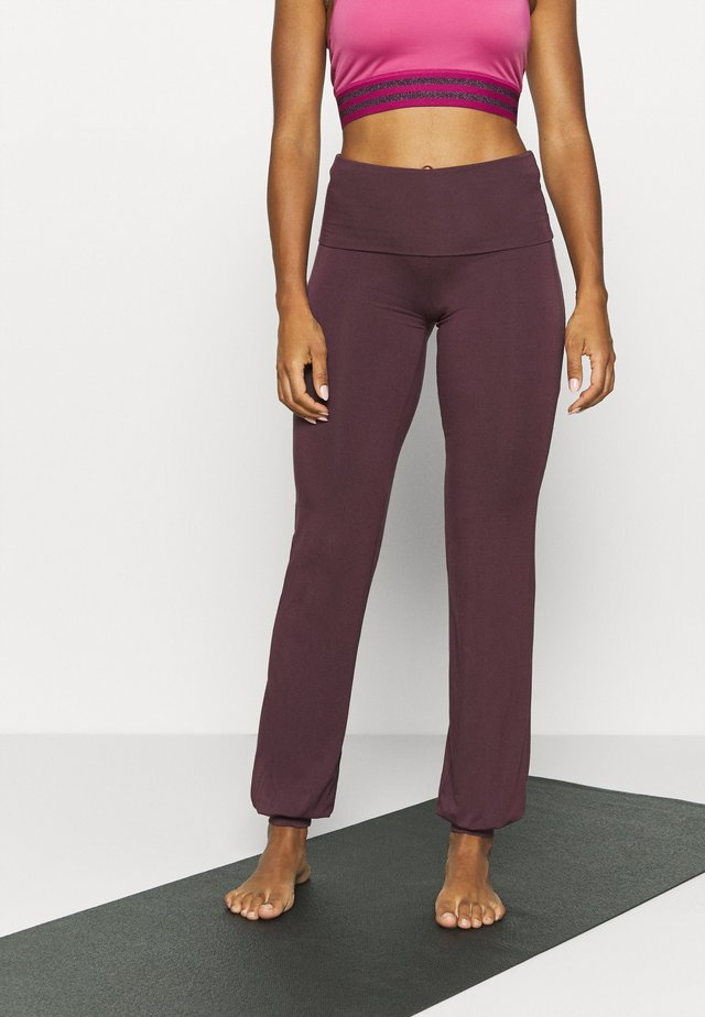 LONG PANTS ROLL DOWN - Pantalones deportivos - bordeaux